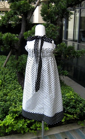 Custom Boutique Polka Dots White and Black Halter Dress-supplies,commercial,sewing,fabric,pattern,handmade,children custom,dress,pants,applique,vintage,tutorial knitting,neddles,owls,japanese,kawaii,fabric,cotton fabric,cotton,ribbon,bows,hair clips,hair accessories,toddles,baby shower,girl,summer,tunic,wallet,purse,buttons,thread,international shipping,free shipping,flat rate